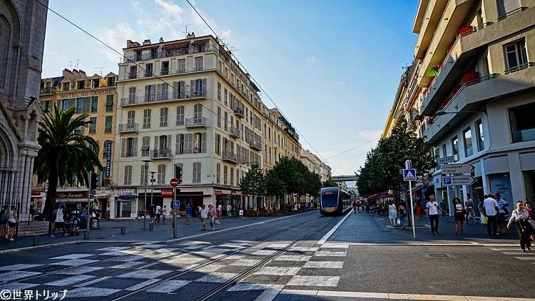 ジャン・メドサン通り(Avenue Jean Médecin)