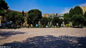 レ・ディ・ローマ広場(Piazza dei Re di Roma)