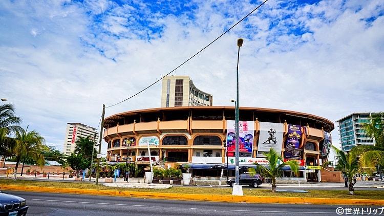 ダウンタウンのカンクン闘牛場(Plaza de Toros Cancun)