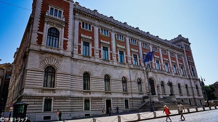 モンテチトーリオ宮殿(Palazzo Montecitorio)※裏側