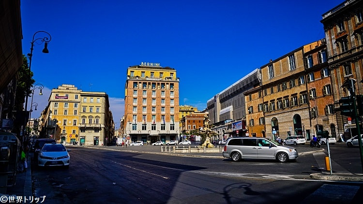 バルベリーニ広場(Piazza Barberini)