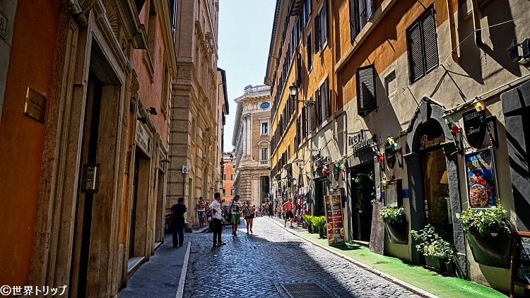 クロチフェリ通り(Via dei Crociferi)