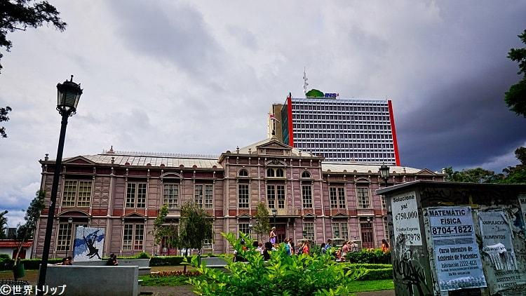 サンホセの学校(1800年代後半に建てられた歴史的建造物の一つ)