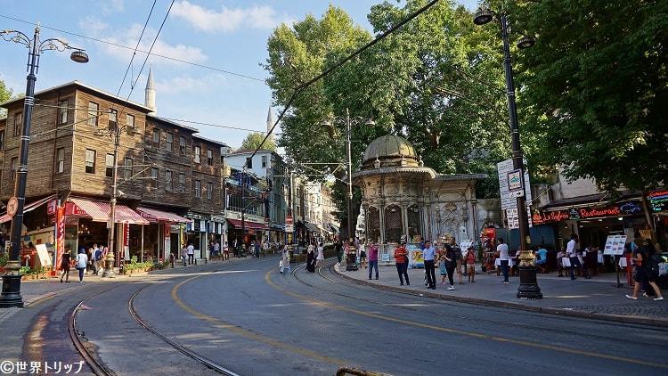 アーレムダール通り(Alemdar Caddesi)