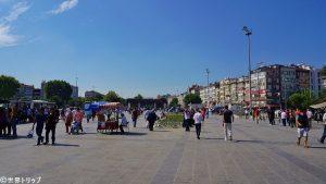 アクサライ(Aksaray)駅周辺