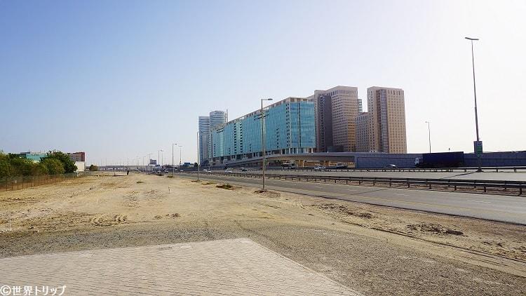 UAE Exchangeメトロ駅付近