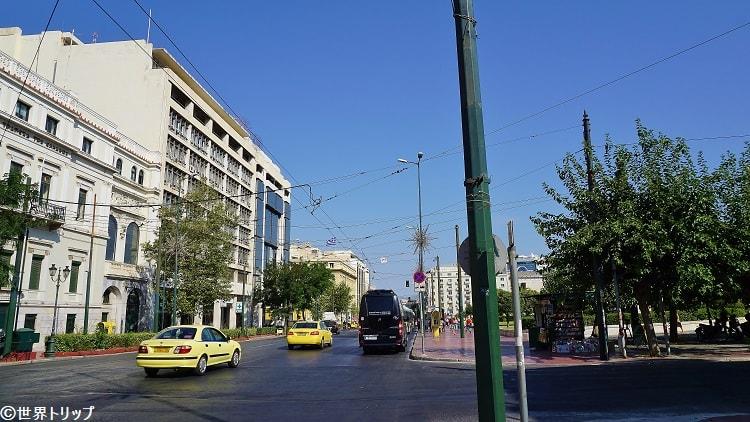 パネピスティミウ(Panepistimiou)通り