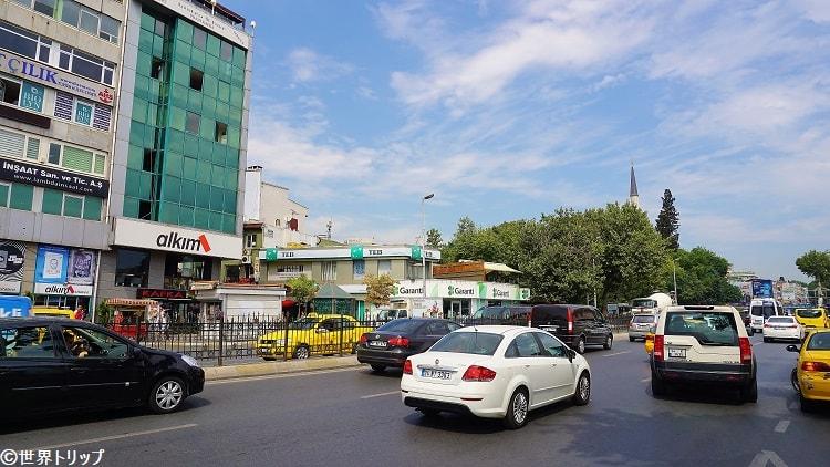 ベシクタシュ通り(Beşiktaş Caddesi)