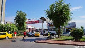 イェニカプ駅付近の長距離バス乗り場