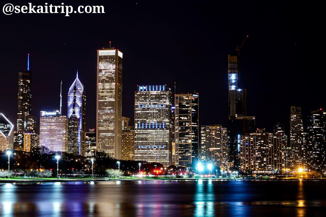 シカゴのレイクフロント・トレイルから撮影した夜景