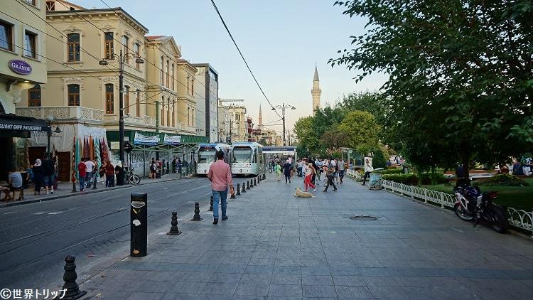 ディワーン・ヨル通り(Divan Yolu Caddesi)