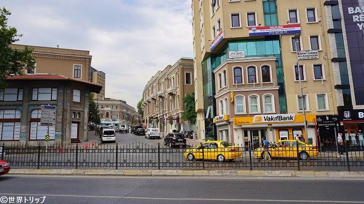 ドルマバフチェ通り(Dolmabahçe Caddesi)