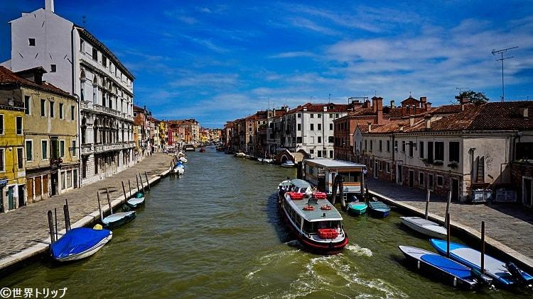 トレ・アルキ橋(Ponte dei Tre Archi)から撮影