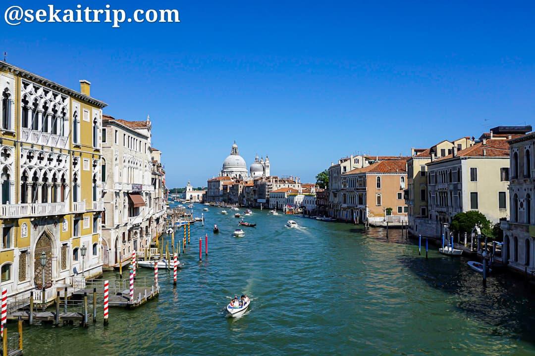 アカデミア橋(Ponte dell'Accademia)からの景色