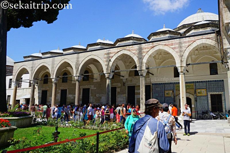 トプカプ宮殿・宝物館の行列