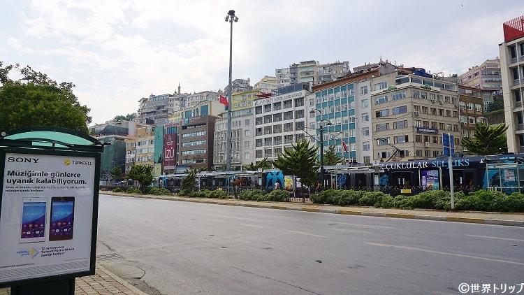 メジュリスィ・メブサーン通り(Meclis-i Mebusan Caddesi)