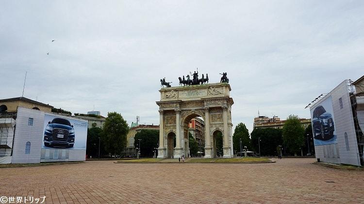 センピオーネ広場(Piazza Sempione)