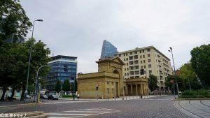 ヌォーバ門(Porta Nuova)