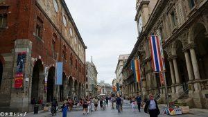 メルカンティ広場(Piazza dei Mercanti)