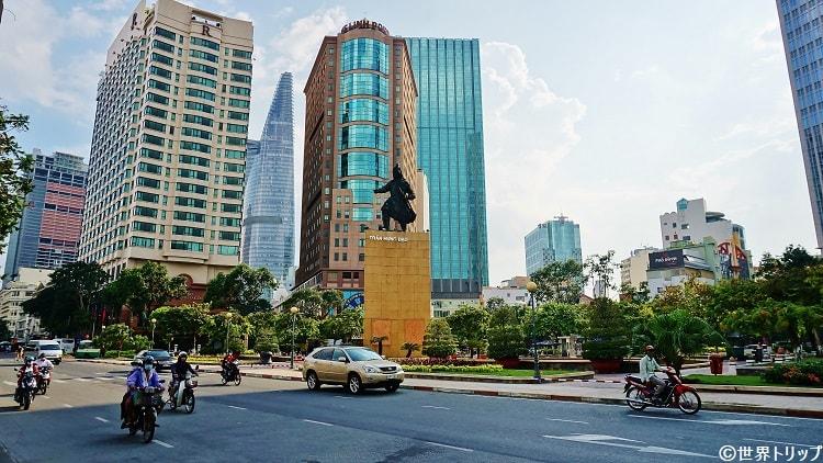 チャンフンダオ像 (Tuong Tran Hung Dao)