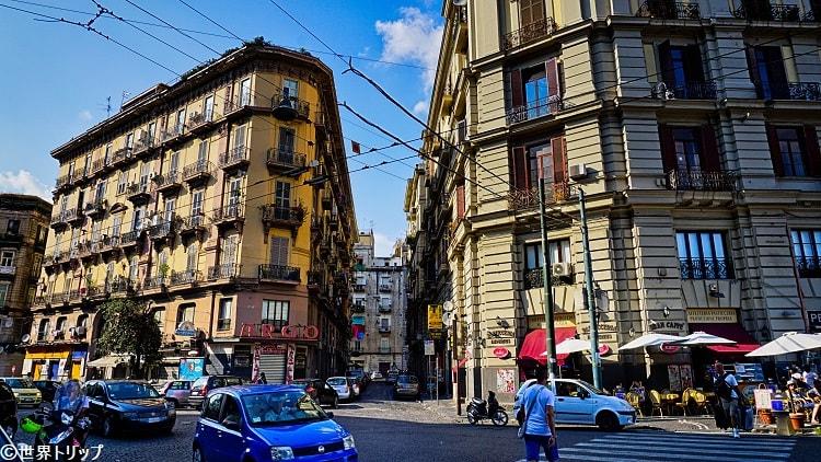 アレッサンドロ・ポエリオ通り(Via Alessandro Poerio)