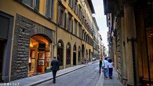 ヴィーニャ・ヌオーヴァ通り(Via della Vigna Nuova)