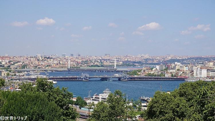 トプカプ宮殿から見たガラタ橋方面の景色