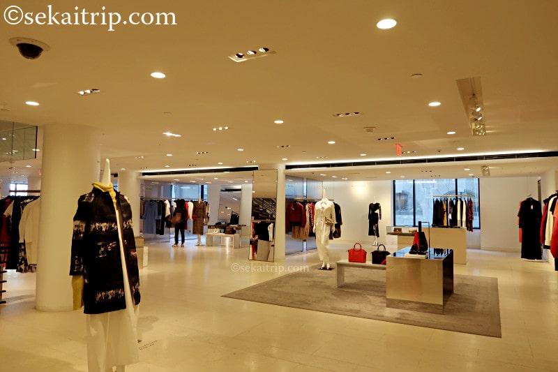 バーニーズ・ニューヨーク(BARNEYS NEW YORK)旗艦店の内部