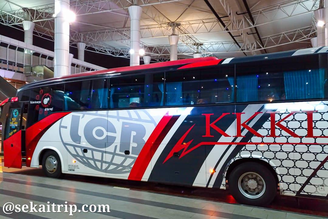 マラッカ行きのKKKLバス