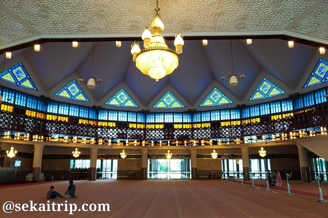 クアラルンプールの国立モスク内