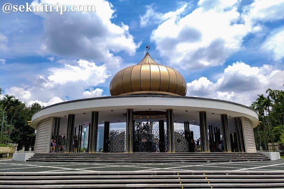 国家記念碑(Tugu Negara)のドーム