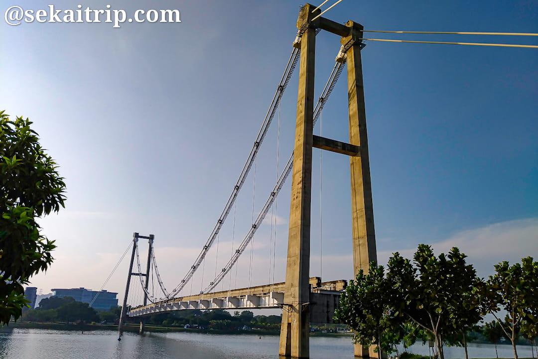 モノレール吊り橋(Jambatan Gantung Monorel)