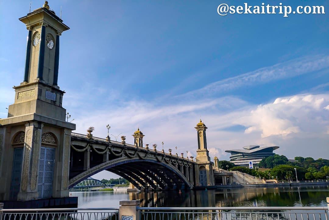 セリ・ゲミラン橋(Jambatan Seri Gemilang)