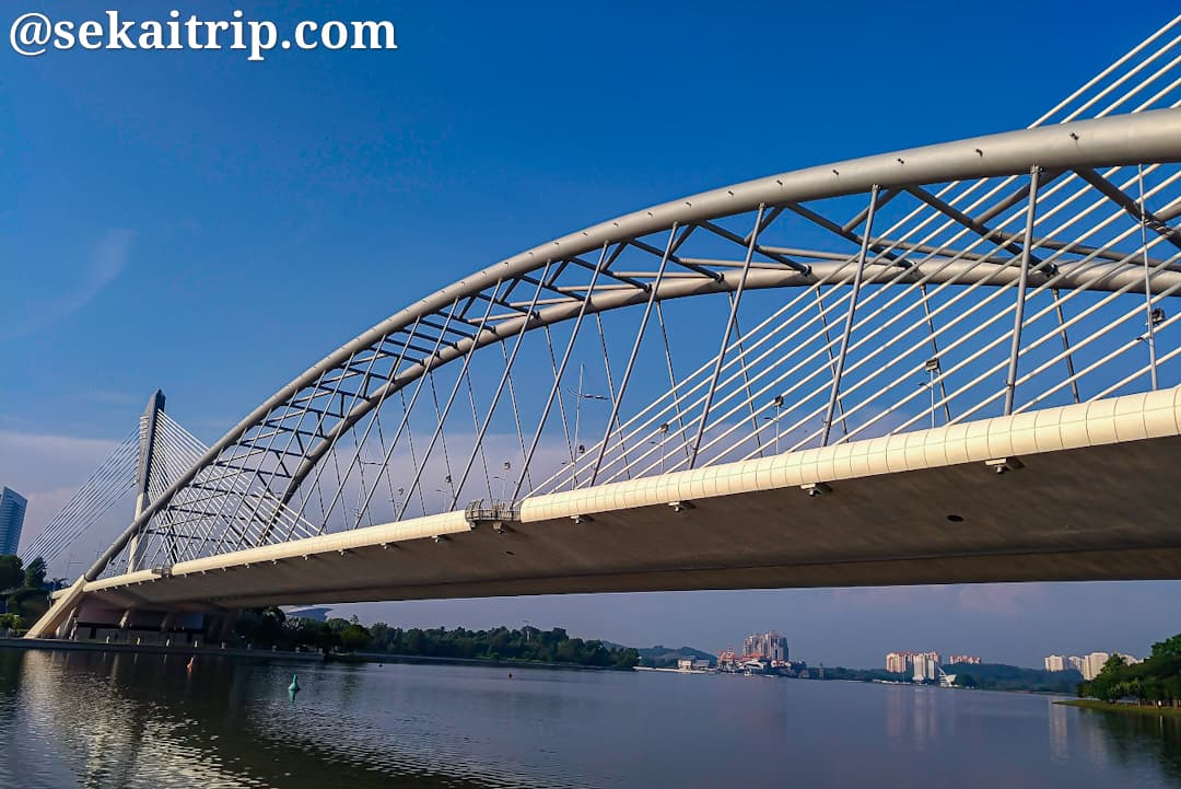 セリ・サウジャナ橋(Jambatan Seri Saujana)