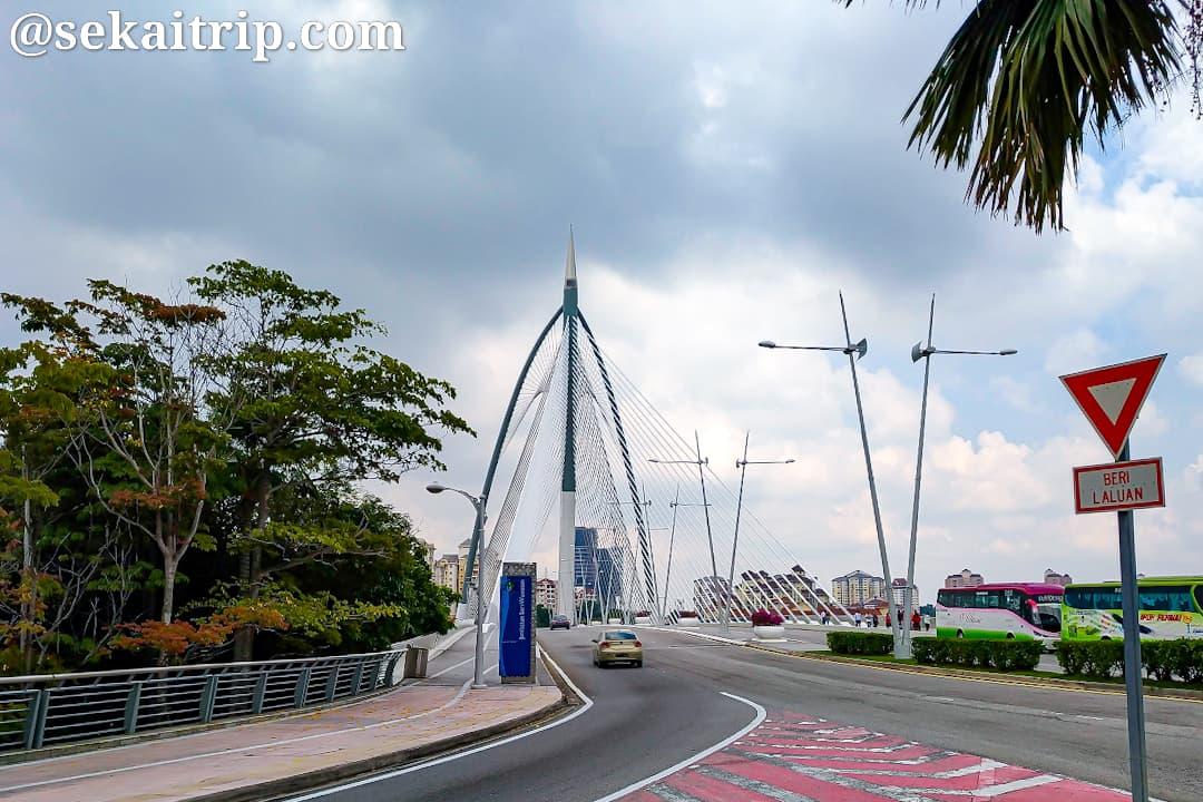 セリ・ワワサン橋(Jambatan Seri Wawasan)