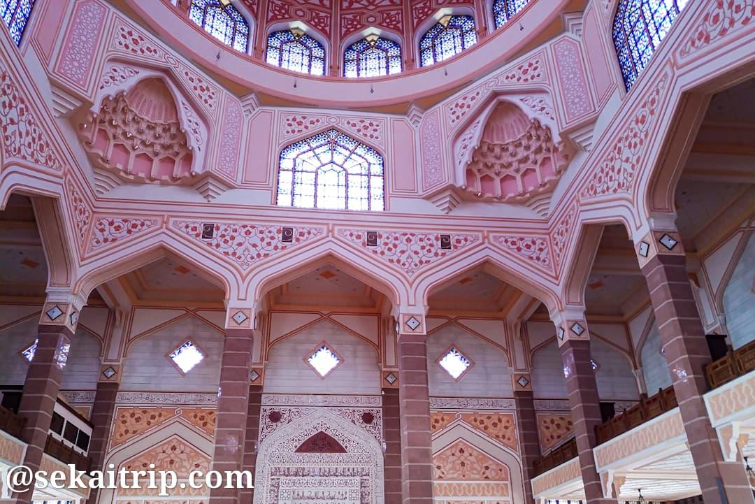 プトラ・モスク(Masjid Putra)の内部