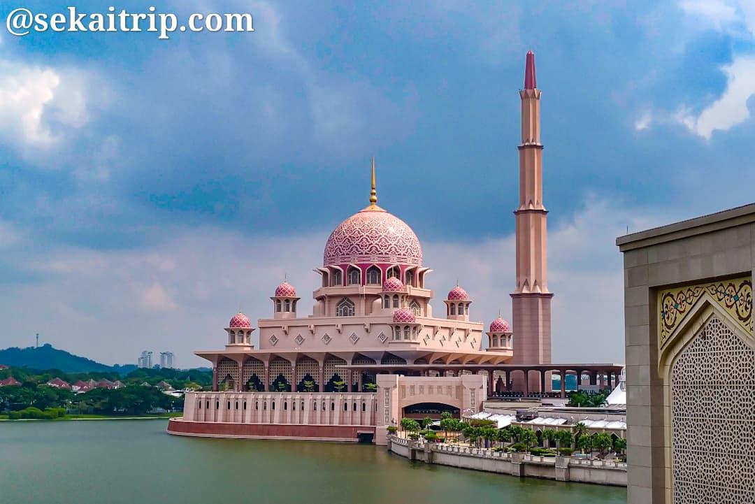 プトラ・モスク(Masjid Putra)