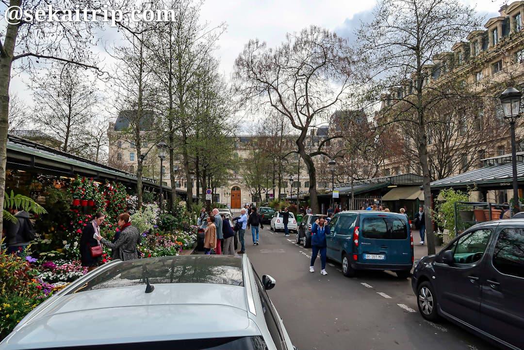 エリザベス二世花市場(Marché aux Fleurs - Reine Elisabeth II)