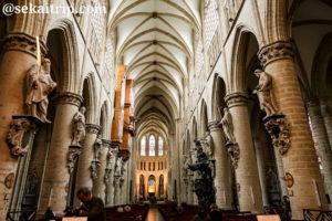 ブリュッセルのサン・ミッシェル大聖堂(内部)