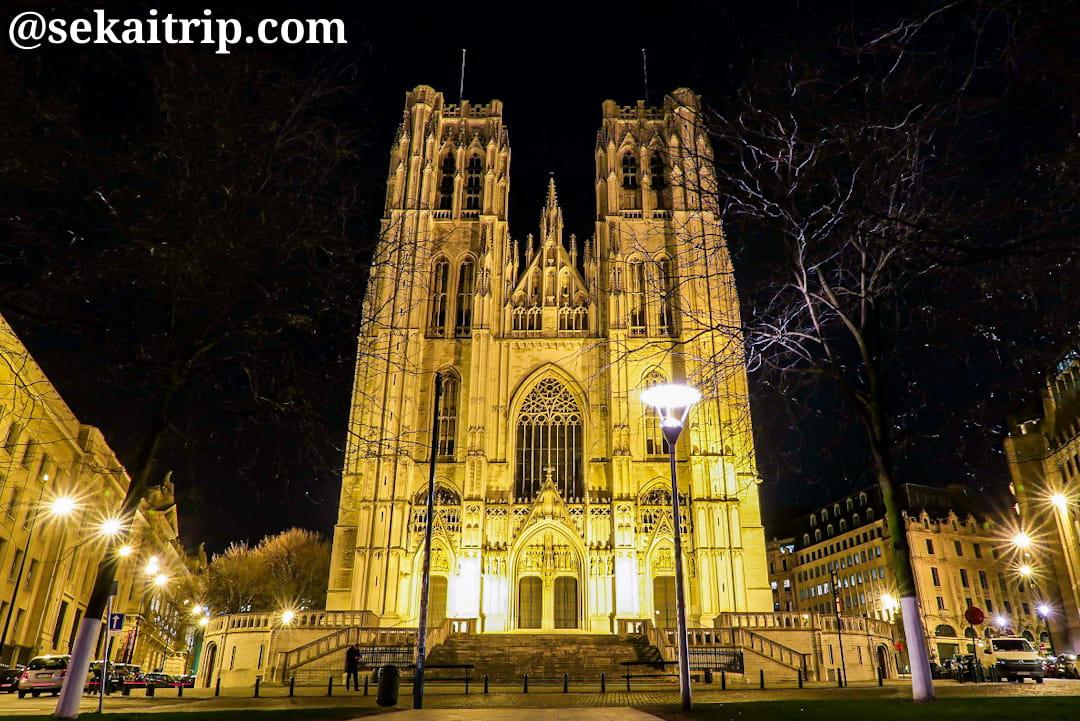 ブリュッセルのサン・ミッシェル大聖堂(夜)