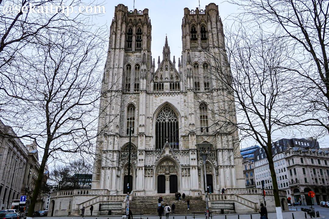 ブリュッセルのサン・ミッシェル大聖堂(外観)
