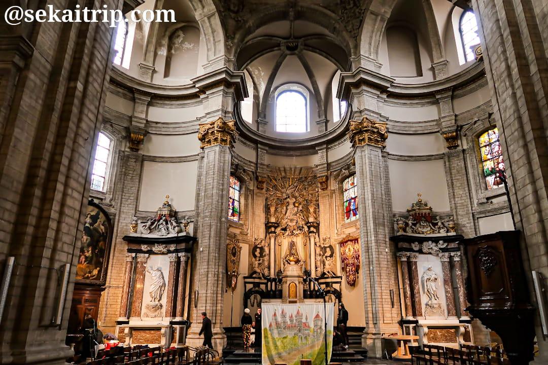 ノートルダム・ド・ボン・スクール教会(内部)