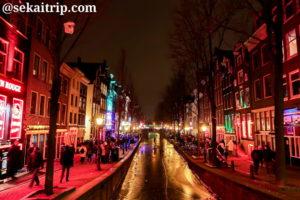 Bet van Beerenbrugから撮影したアムステルダムの飾り窓地区