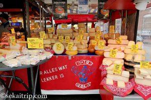 ダッペル市場(Dappermarkt)のチーズ屋さん
