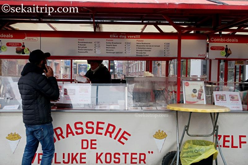 ダッペル市場(Dappermarkt)の軽食屋さん