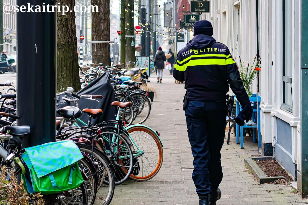 アムステルダムの警察官