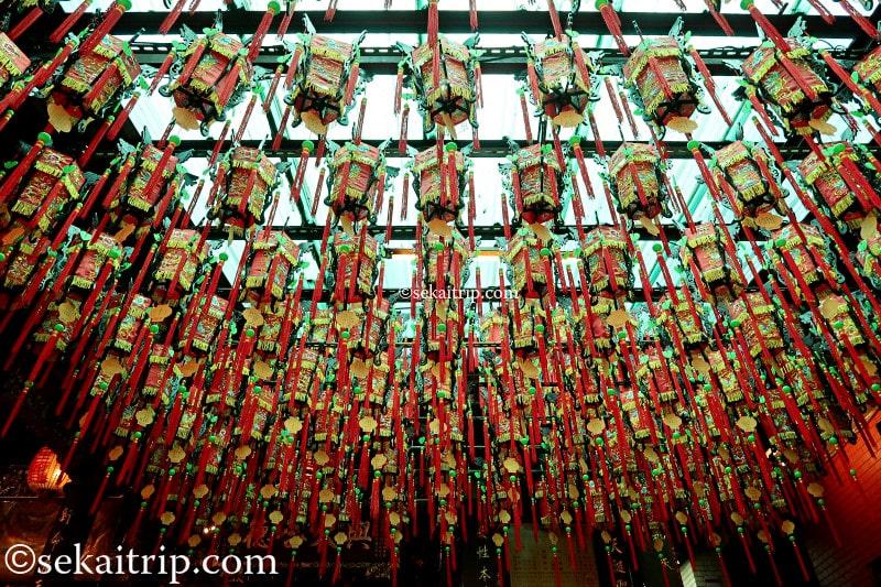 台北天后宮を彩る提灯