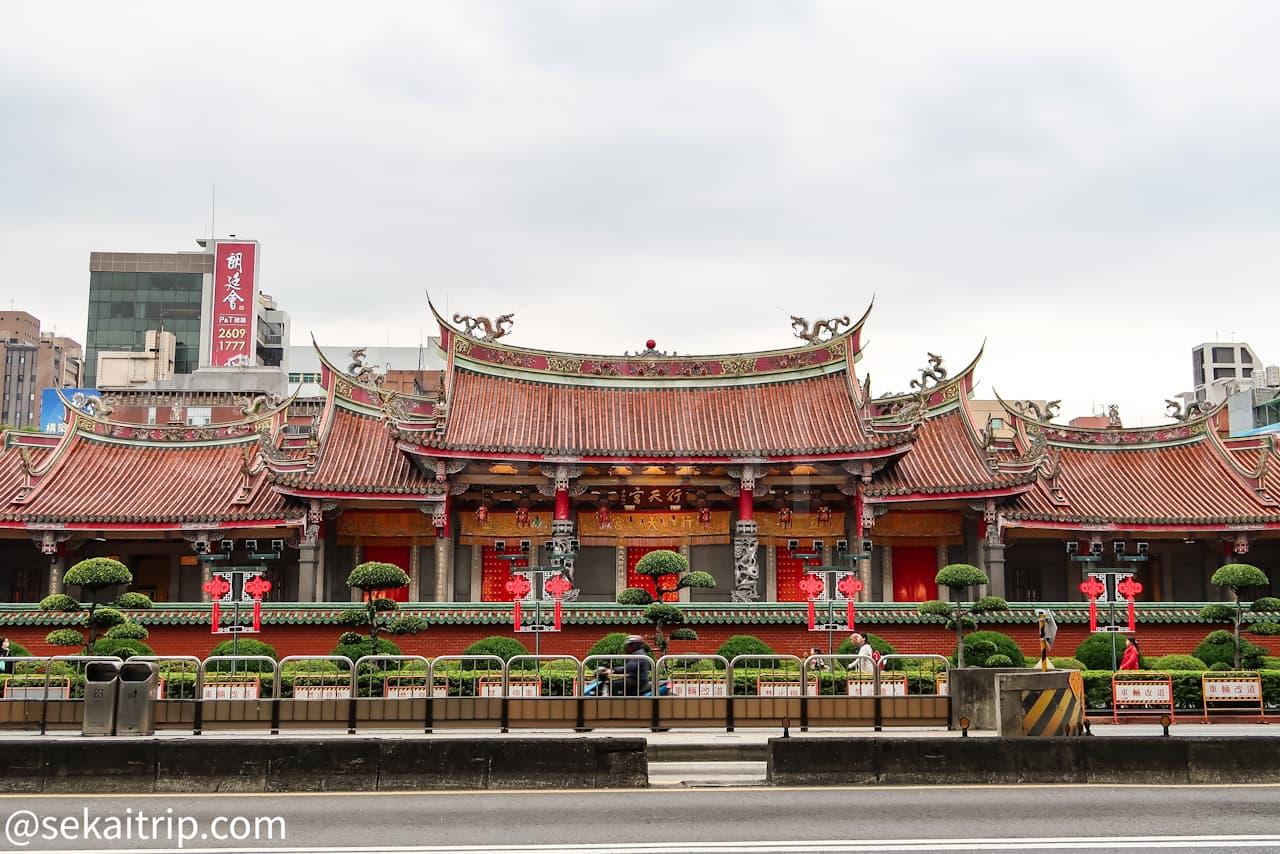 台北の行天宮(外観)