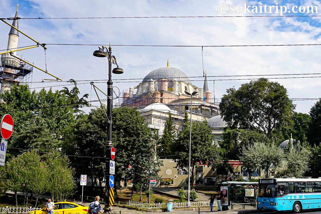 トルコ・イスタンブールのベヤズィット・モスク