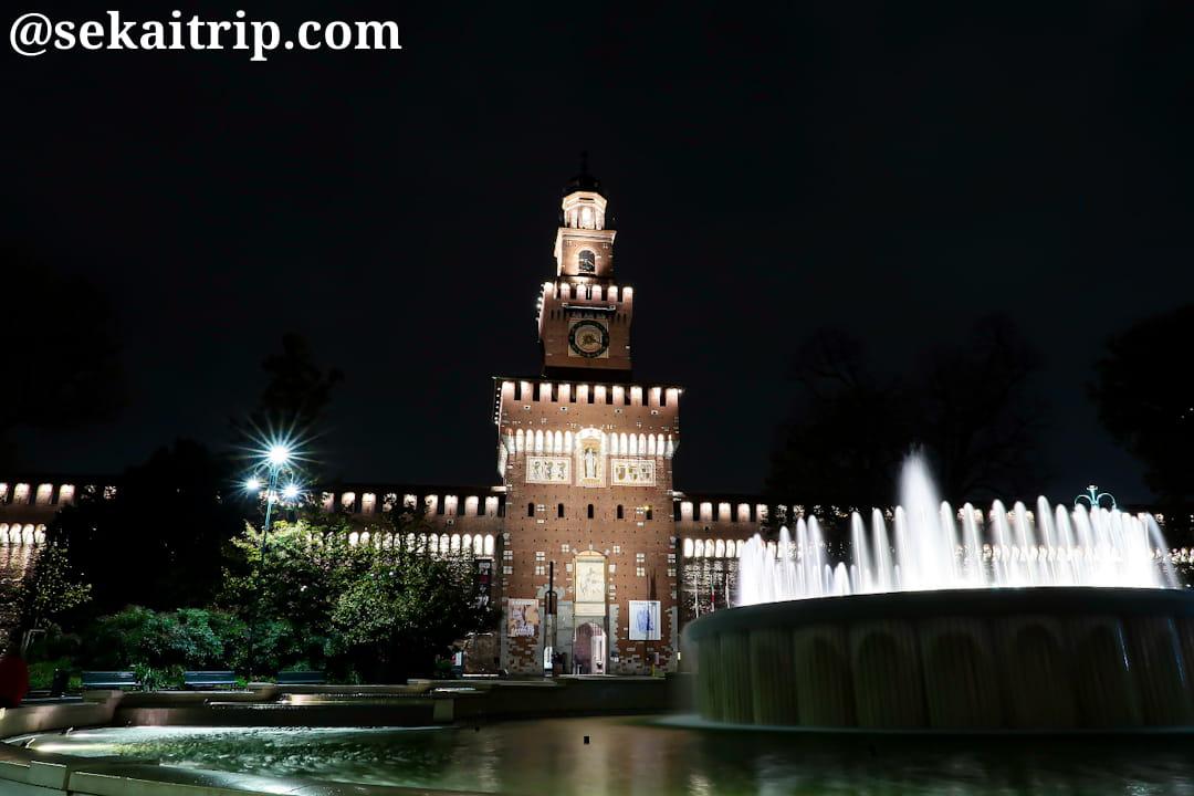 20時30分頃のスフォルツェスコ城(Castello Sforzesco)